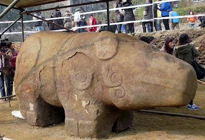 2,000-year-old giant animal statue discovered in China's Sichuan territory