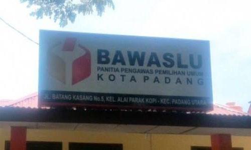Money Politic: Yunasti Helmi Bawaslu Padang, Seret Caleg Partai Gerindra
