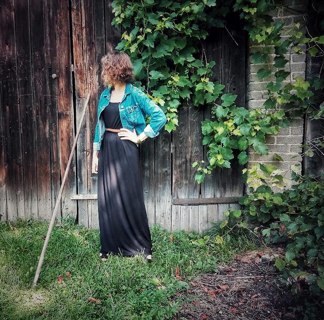 292. maxi czarna sukienka