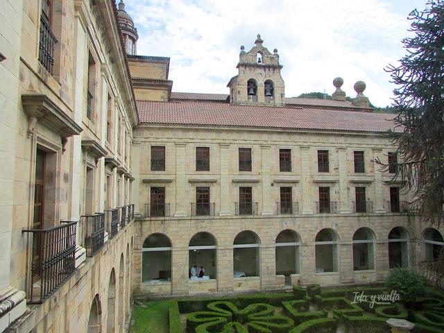 Razones para ir a Cangas del Narcea Monasterio y Parador