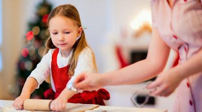 Cara Mak Dulu-dulu Ajak Anak Ke Dapur, Belajar Memasak....