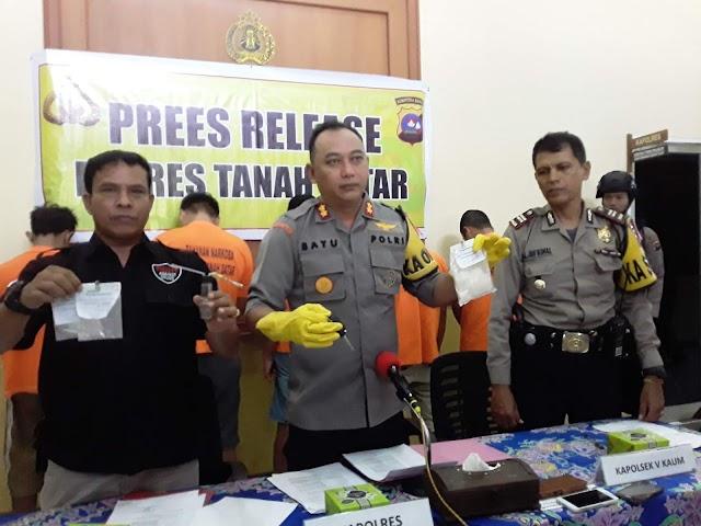 Press Release Penangkapan Pelaku Narkoba Dan Pelaku Pencurian di wilayah hukum Polres Tanah Datar.
