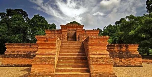 Kerajaan Tarumanegara, Peninggalan Kerajaan Tarumanegara, Prasasti Kerajaan Tarumanegara
