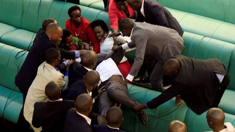 Uganda introduces bill to remove presidential age limit