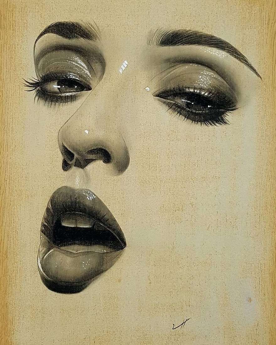 07-Husam-Waleed-Minimalist-Realistic-and-Stylized-Charcoal-Portraits-www-designstack-co
