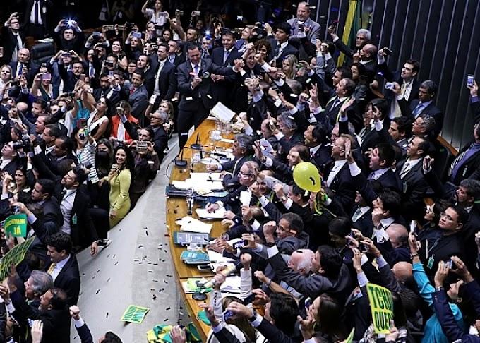 DECISÃO: Câmara decide pela abertura do processo de impeachment de Dilma