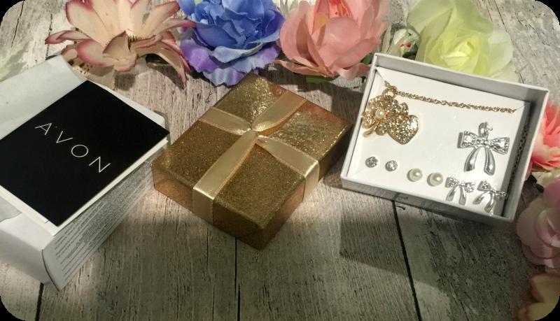 avon dual necklace set