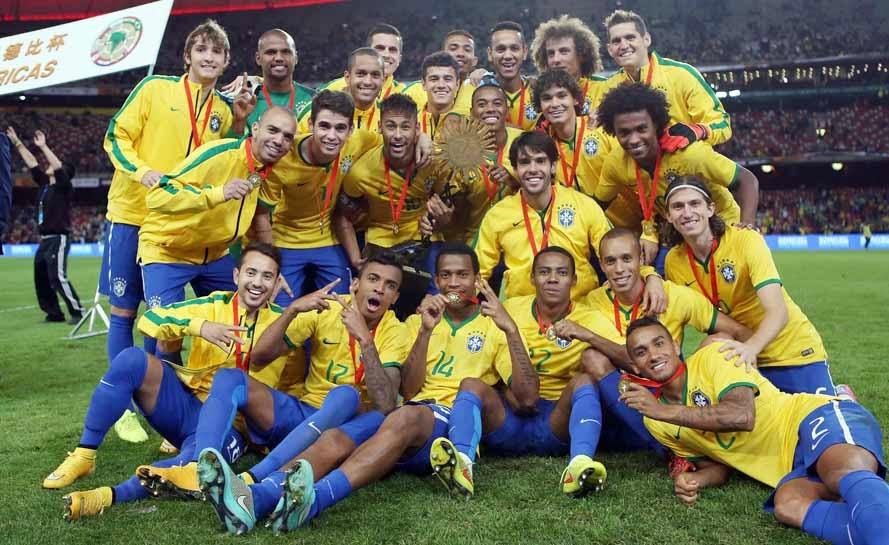 51e318199f 4 - Bélgica(1.388) 5 - Holanda (1.375) 6 - Brasil (1.307) 7 - França  (1.191) 8 - Uruguai (1.184) 9 - Portugal (1.175) 10 - Espanha (1.119)