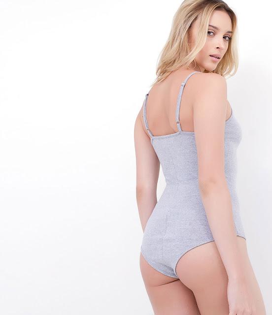 Blusa feminina Body de alcinha decote em v
