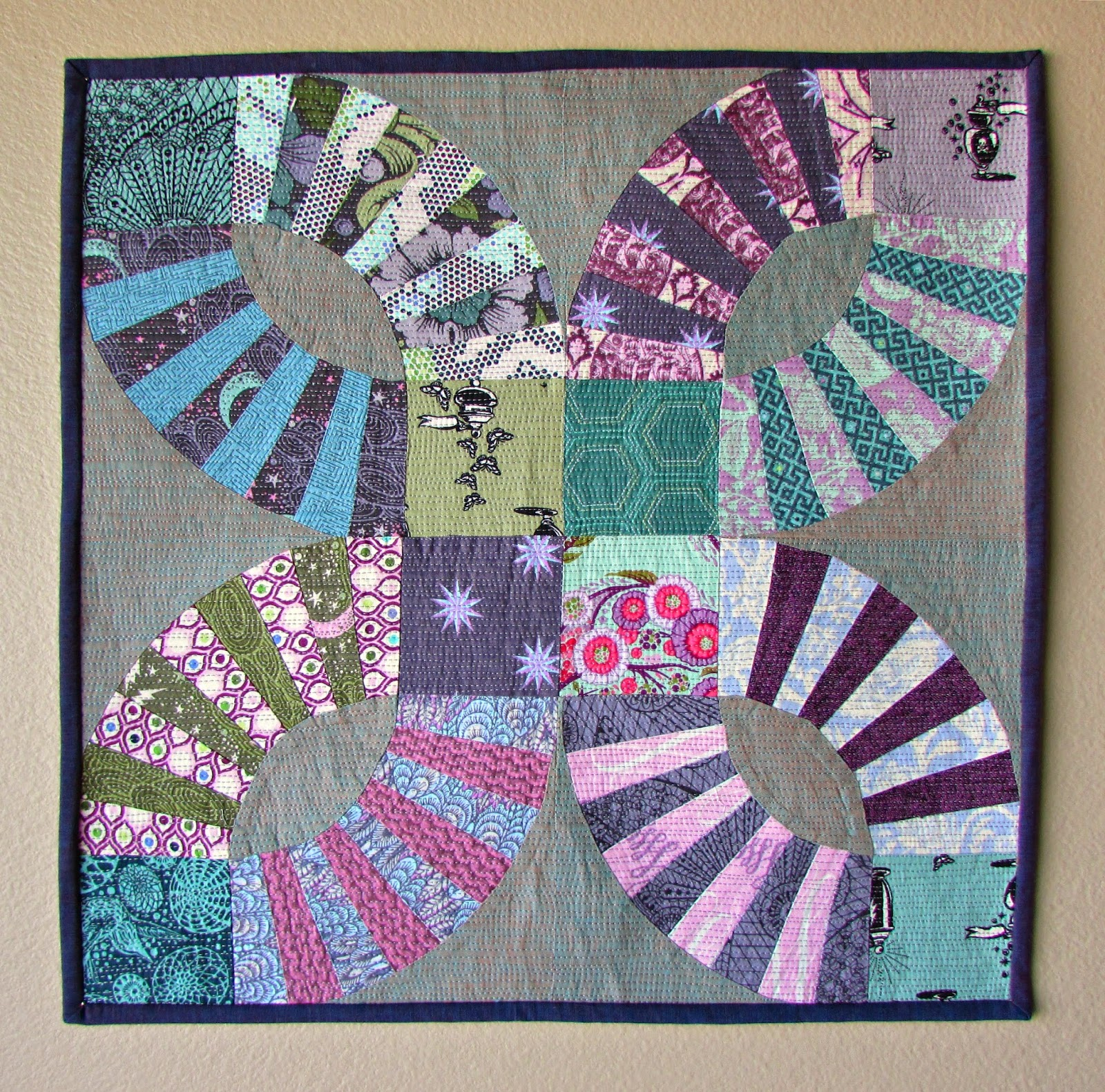 Double Wedding Ring Quilt Pattern: Quilt Inspiration: Wedding Ring Quilt Inspiration... And