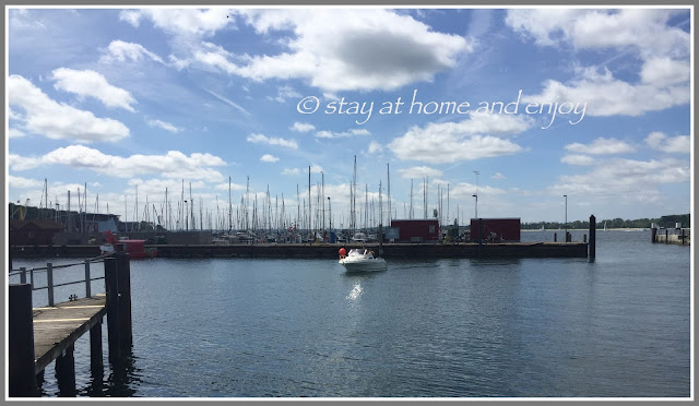 Laboe - Hafen - stay at home and enjoy