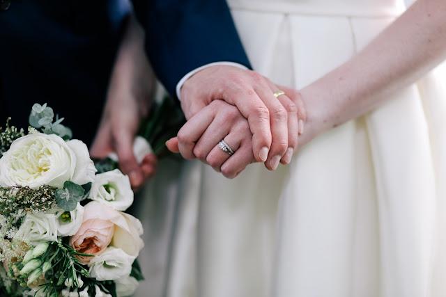 Aliança de noivado, compromisso e casamento: Qual a diferença?