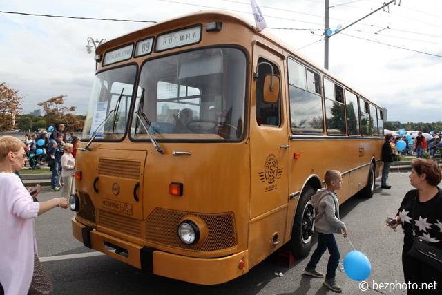 парад ретро автобусов