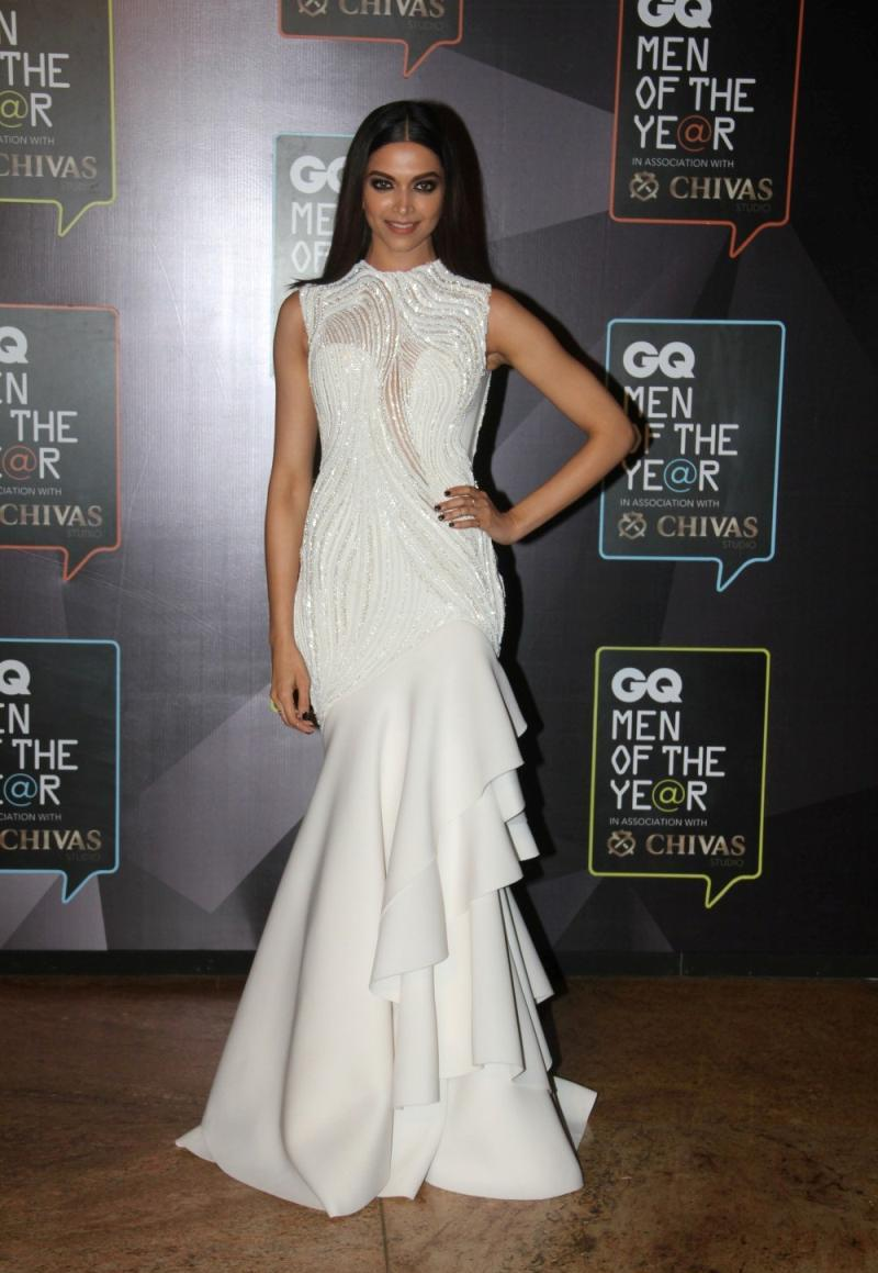 Indian Glamorous Hot Girl Deepika Padukone Photos In Long White Dress
