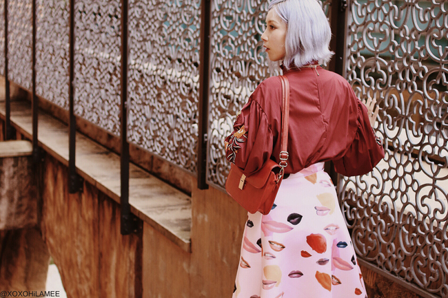 Japanese Fashion Blogger,MizuhoK,20190430OOTD,SheIn=embroidery sleeve blouse, CHOIES=LIP SKIRT, Rakuten= red bag, Tutuanna=color tights, StuartWeitzman=purple pumps, 3COINS =hair clip, Bershka=necklace