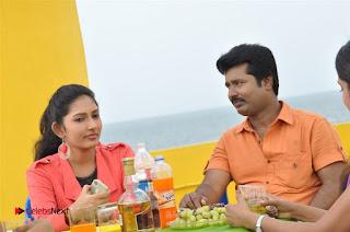 Ennodu Nee Irundhaal Tamil Movie Gallery  0014.jpg