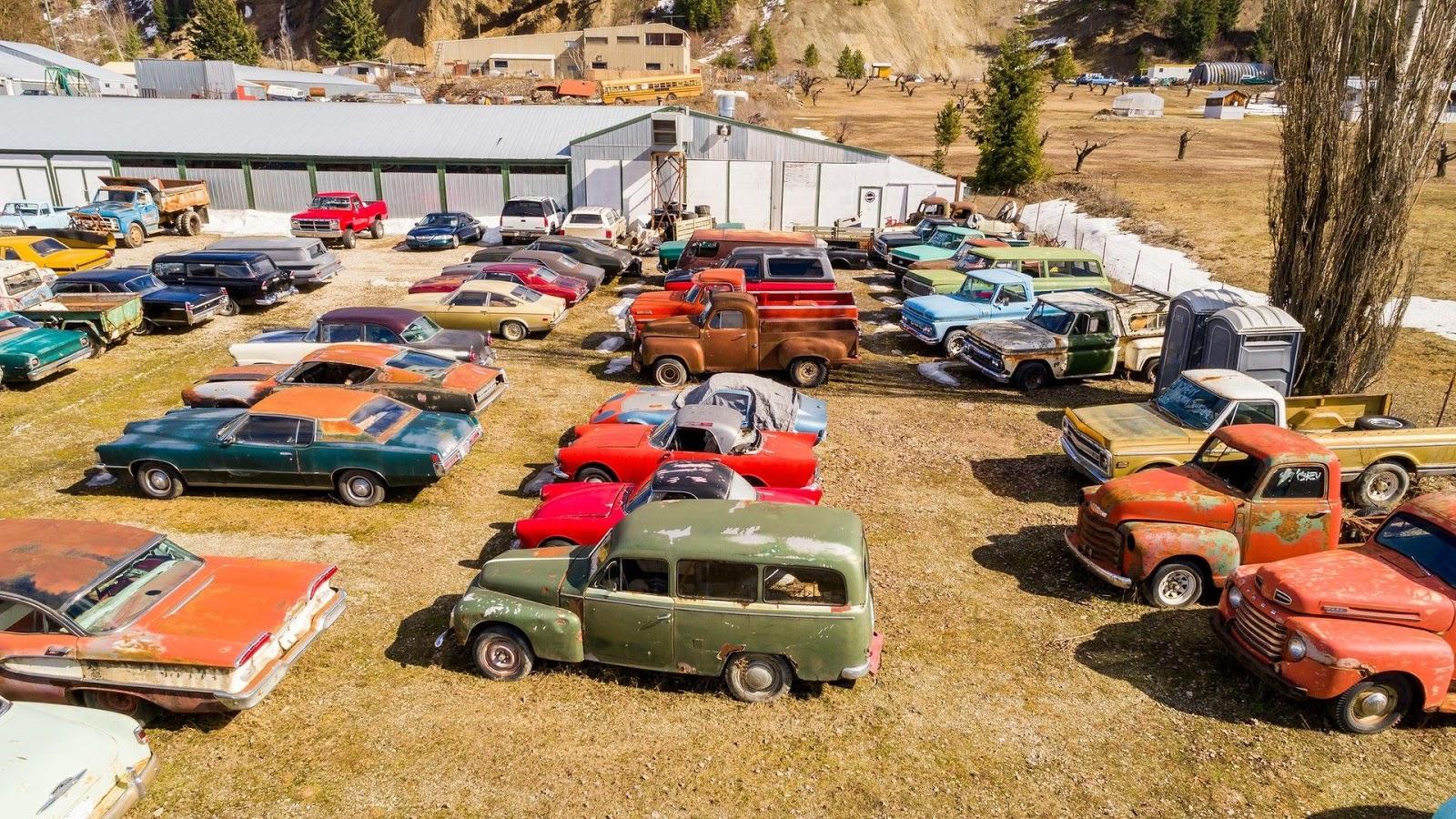 canadian man selling property with over 340 vintage cars. Black Bedroom Furniture Sets. Home Design Ideas