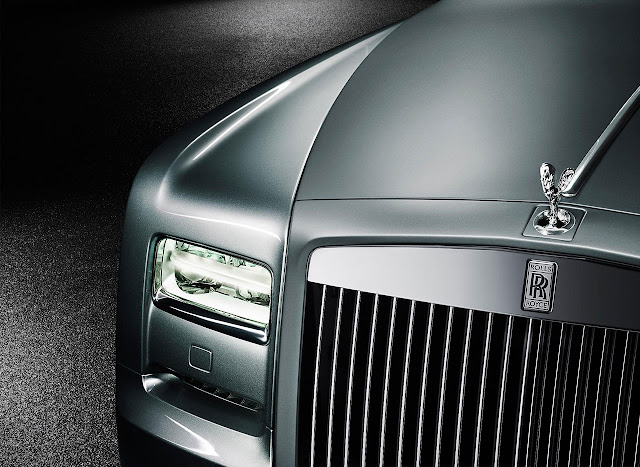Rolls-Royce presented Phantom Coupé Aviator front