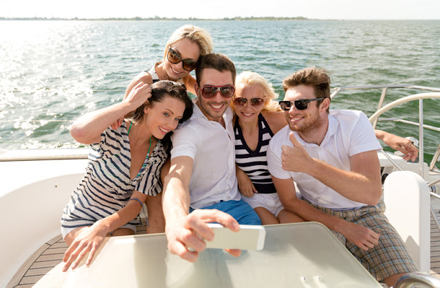 Marine Data Solutions provides economical and fast 4G and 4G LTE Internet for your yacht.