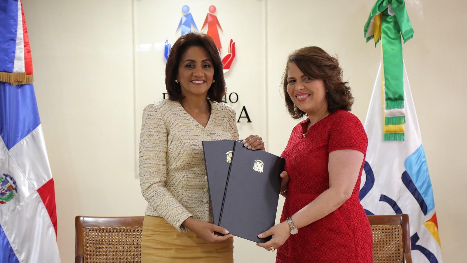 Personal Despacho de la Primera Dama recibirá actualización continua del INAP