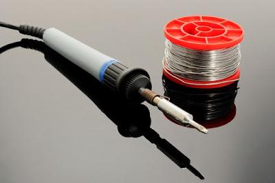 Lipituri în electronică: aliaje, fluxuri, echipamente