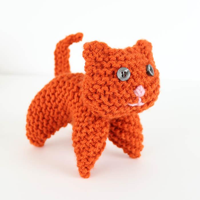 Flat Knit Plush Cat Knitting Pattern