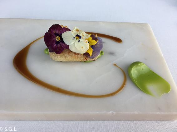 Cochinillo frito Azurmendi. Experiencia gastronomica