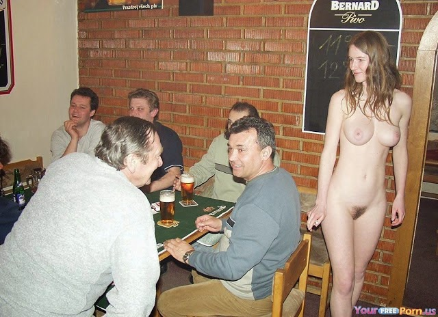 candid naked girl changing