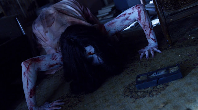 Sadako VS Kayako movie still