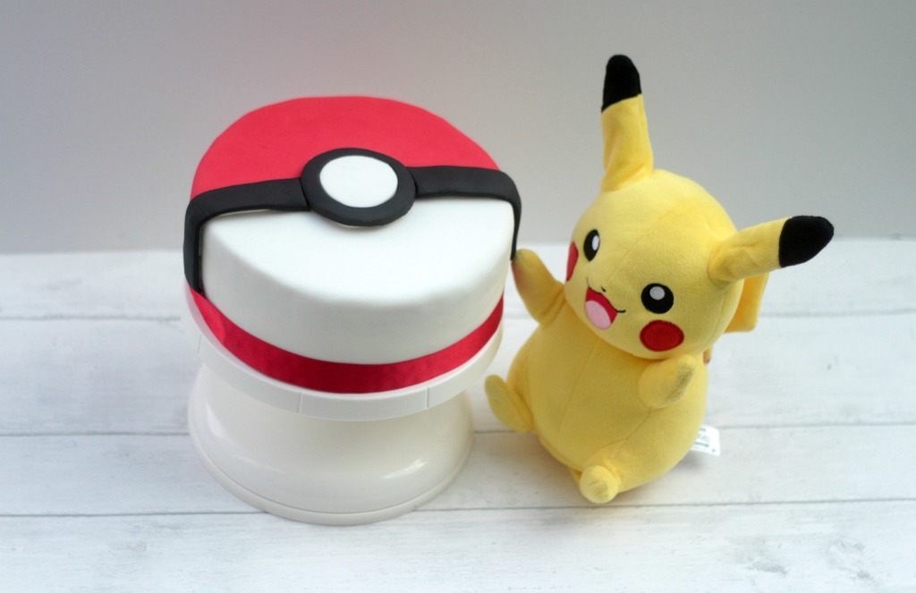 How To Make A Pokeball Cake: Middle Man Turns 7
