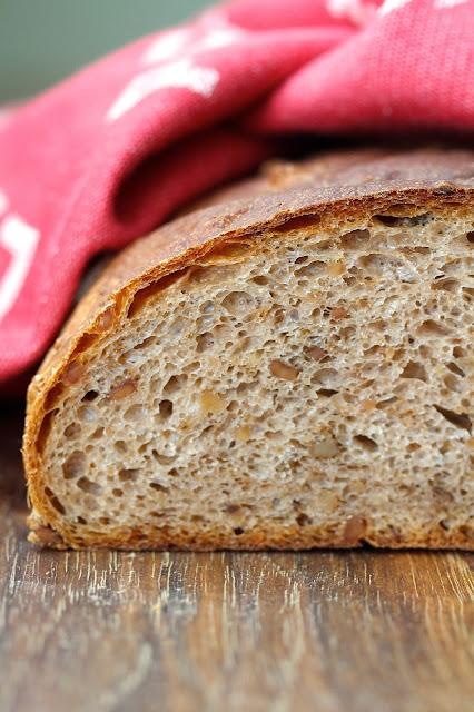 Pain aux Noix - Auberge Walnut Bread
