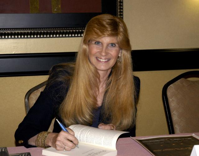 Dra. Lynne Kitei, una de los muchos testigos que han declarado abiertamente acerca del avistamiento de las 'Luces de Phoenix'