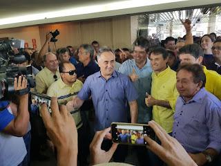 Cartaxo é ovacionado como candidato ao governo ao chegar em convenção do PSDB