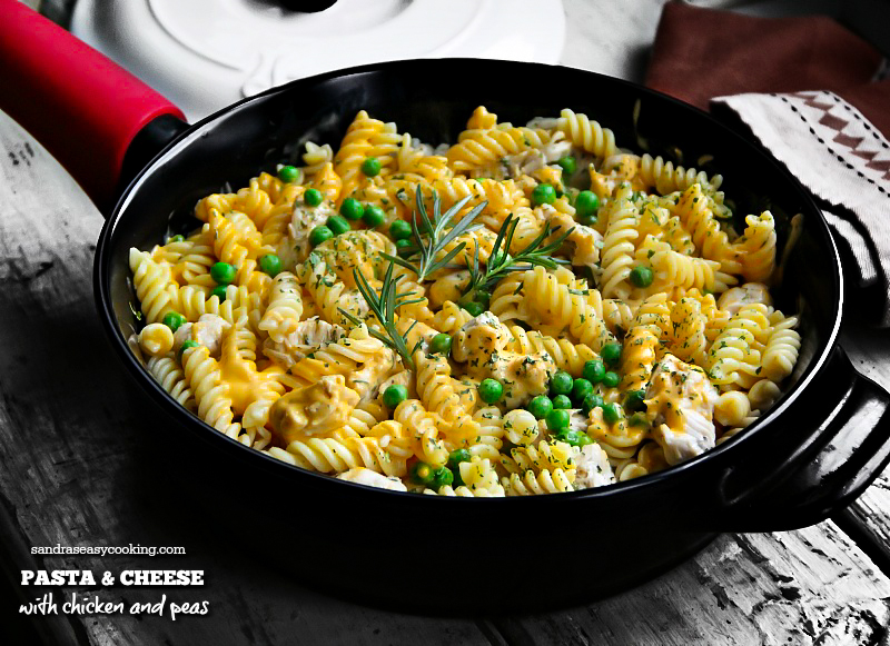 PASTA & CHEESE, WITH CHICKEN AND PEAS - simple and delicious meal idea. For more recipes, visit Sandra's Easy Cooking