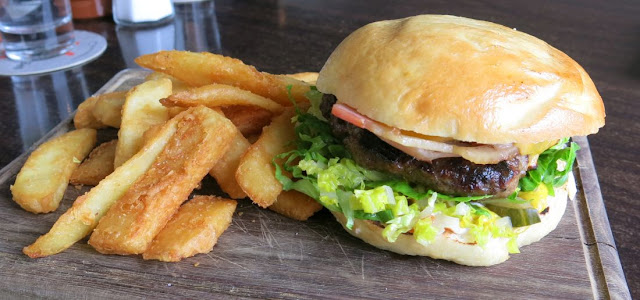 Billies at Mt Erica Hotel, Prahran, beef burger