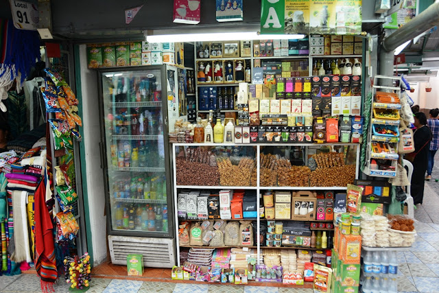 Market Artisanal La Mariscal Quito groceries