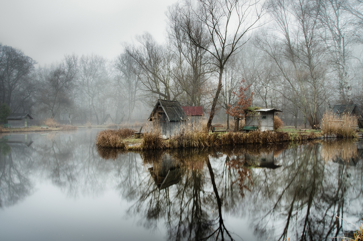 01-Viktor Egyed-Photographs-of-the-Enchanted-Fishing-Village-www-designstack-co