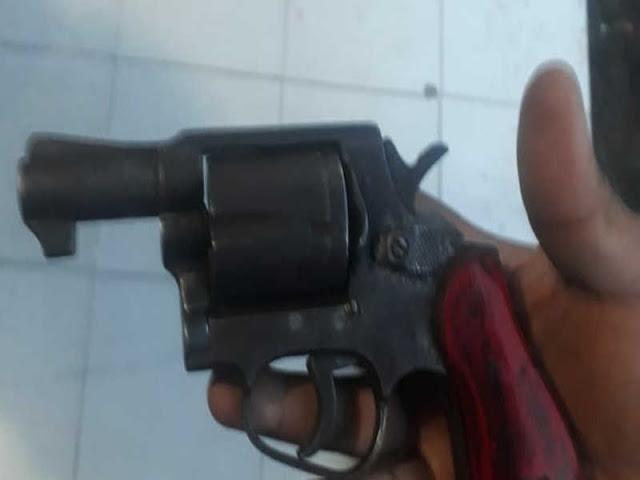 Bawa Revolver, Polisi Tangkap Honorer Pegunungan Arfak di Manokwari