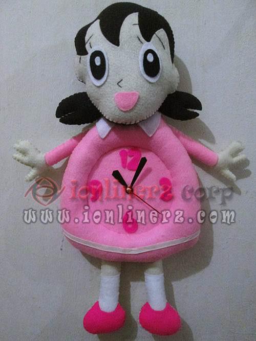 Jam Dinding Flanel Karakter Kartun Boneka Shizuka
