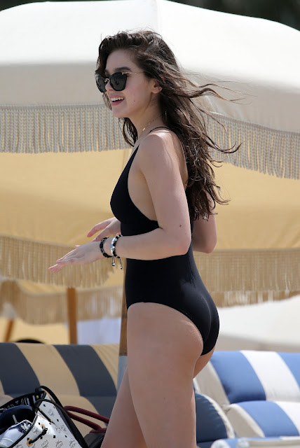 Actress, Singer, Model, @ Hailee Steinfeld - Wearing a Swimsuit on the Beach in Miami