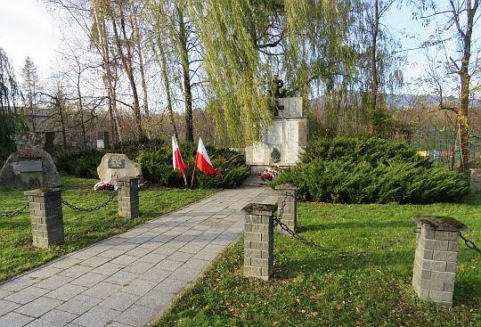 Pomnik poświęcony pamięci poległych i zamordowanych w latach 1939-1945.