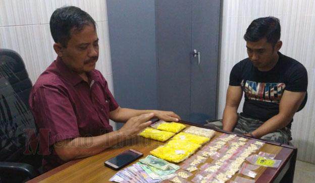 KBO Sat Resnarkoba saat meminta keterangan Dedi Kurniawan