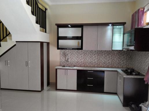 Model kitchen set minimalis bawah tangga super cantik for Kitchen set dibawah 5 juta