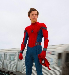 Gambar Spiderman Tom Holland