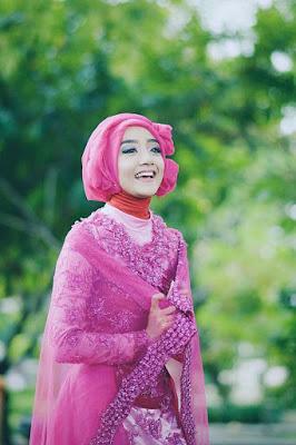 Foto Cewek Model  hijab yang simpel Foto Cewek Model  hijab yang disukai pria