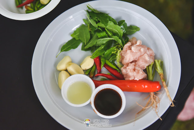 Ingredients for Gai Pad Krapaw(spicy stir-fried Thai basil chicken)