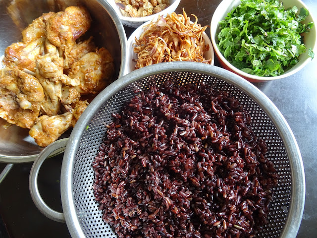 Black rice chicken biryani