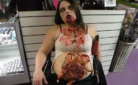 Disfraz de Halloween zombie embarazada