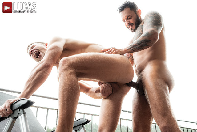 LucasEntertainment - VIKTOR ROM SPLITS ANDREY VIC'S ASS