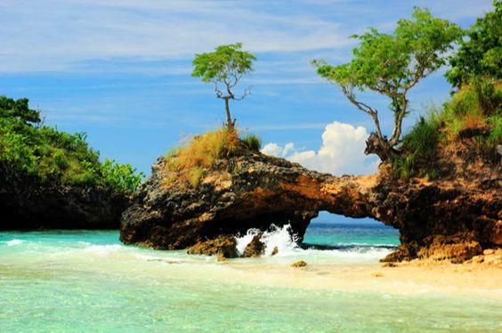 pantai tangsi di lombok timur